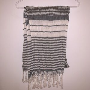 FOREVER 21 fringed striped scarf